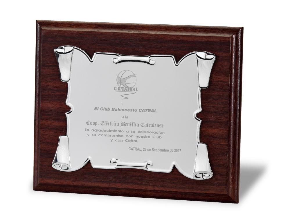 Placa de homenaje pergamino varios acabados Metal 23x18 cm Mate Madera 29x23 cm Madera 24x19 cm Metal 20x15 cm Madera 21x17 cm Metal 16x12 cm