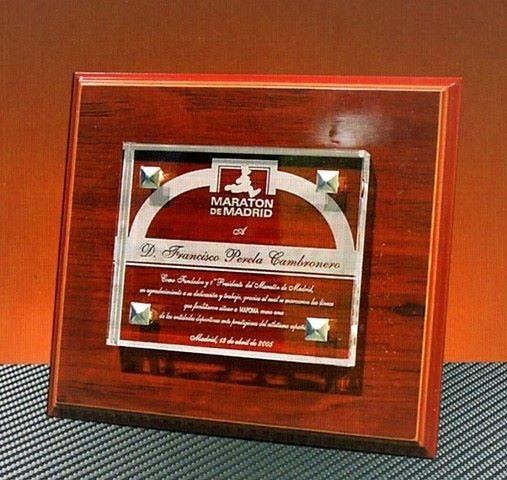 Placa Homenaje Bushem Cristal