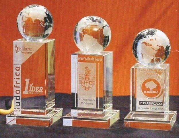 Trofeo Americo Globo Terráqueo Torre