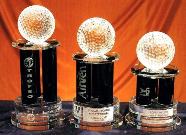 Trofeo Bajun Tres Columnas Cristal