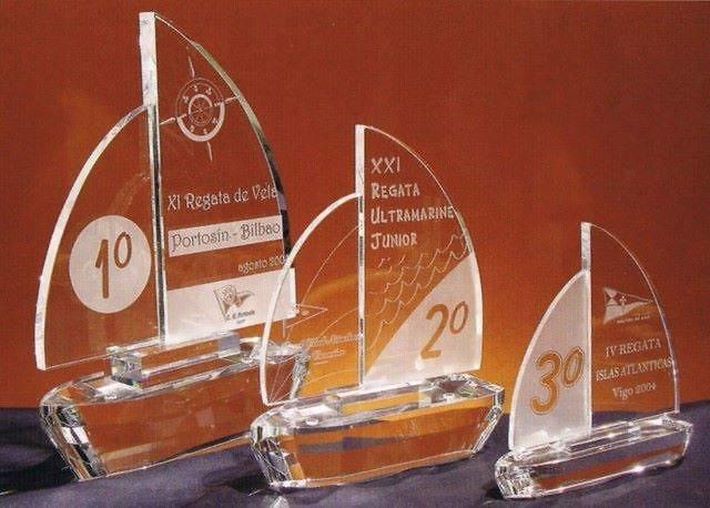 Trofeo Bassa Cristal Transparente Velero