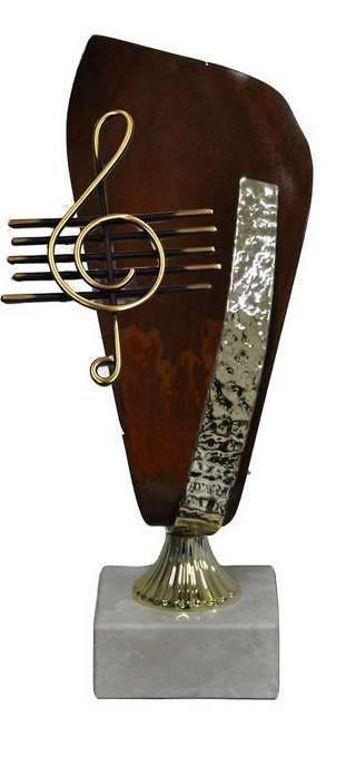 Trofeo Artesanal Laton Musica. Clave de sol y pentagrama.