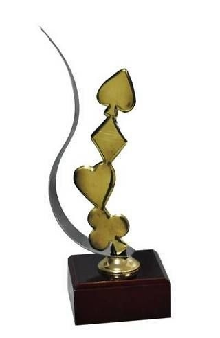 Trofeo Artesanal Laton y Resina Cartas