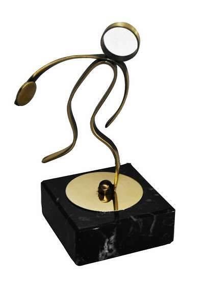 Trofeo Artesanal Laton Atletismo-Disco con peana de marmol