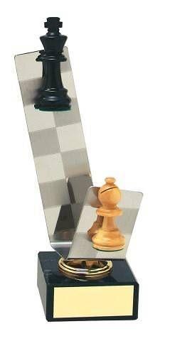 Trofeo ajedrez tablero y piezas