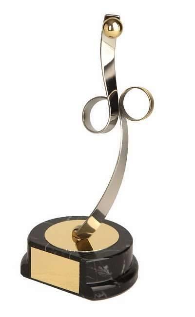 Trofeo balonmano dorado y plateado