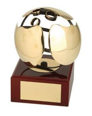 Trofeo bolos bola dorada