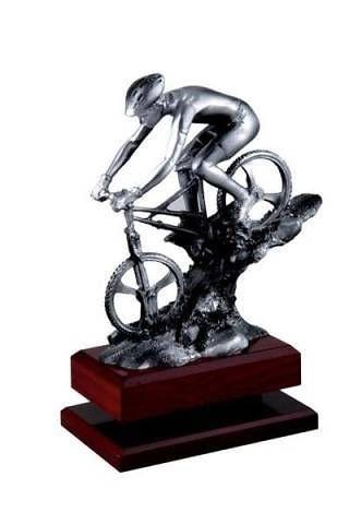 Trofeo de Ciclismo montaña en resina con acabado en plata.
