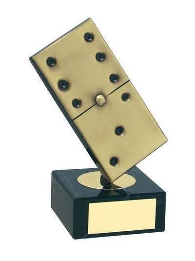 Trofeo dominó ficha dorada