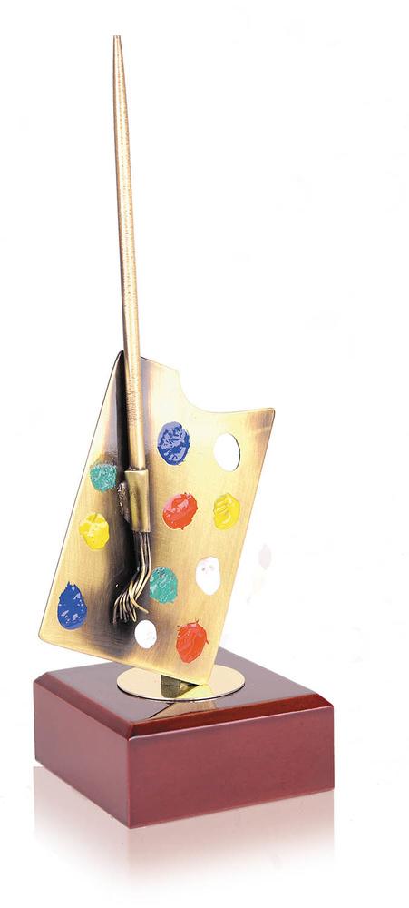 Trofeo latón paleta y pincel
