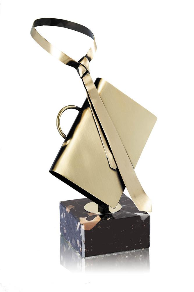 Trofeo laton de maletin y corbata