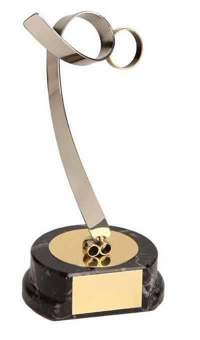 Trofeo patinaje artístico dorado y plateado