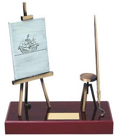 Trofeo pintura peana madera