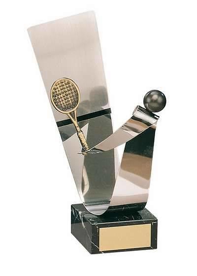 Trofeo tenis pelota y raqueta