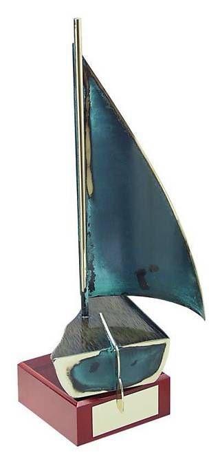 Trofeo vela oscuro