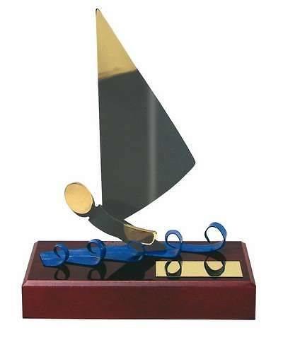 Trofeo vela regatista peana madera