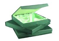 Estuche para plato exterior en verde interior en raso tamaño 5
