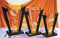 Trofeo Bamileke Triangular Amarillo