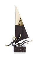 Trofeo barco velero dorado