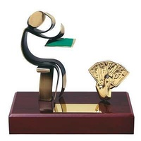 Trofeo cartas peana madera