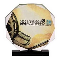 Trofeo de Cristal Hexagonal personalizable a todo color