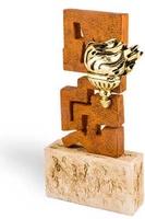 Trofeo escultura zig-zag efecto hierro modelo Acambay