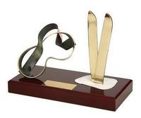 Trofeo esquí peana madera