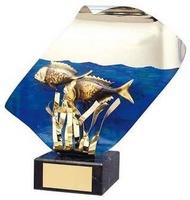 Trofeo pesca peces en agua